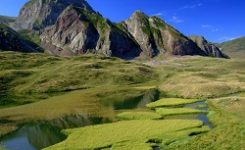 Karadeniz'de 36 yüzen ada keşfedildi